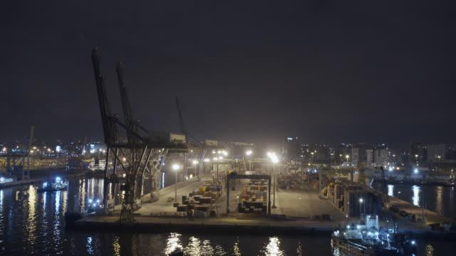 Luftbild. Kräne und Container von Casablanca, einem der größten Häfen der Welt – Video