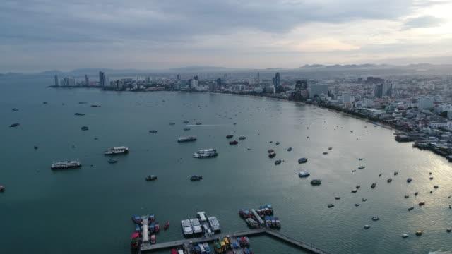 flygfoto flying pattaya beach thailand - pattaya bildbanksvideor och videomaterial från bakom kulisserna