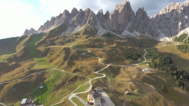 aerial view from gardena pass dolomites italy - passo montano video stock e b–roll