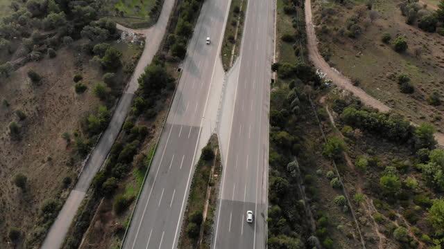 flygfotosikt motorvägen - biltransporttrailer bildbanksvideor och videomaterial från bakom kulisserna