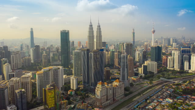 クアラルンプール市内中心部の眺めの空中写真ハイパーラプス4kビデオ - マレーシア点の映像素材/bロール