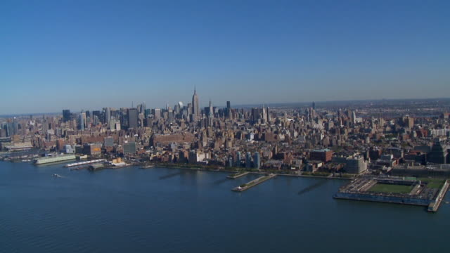 вид с воздуха на манхэттене hudson - запад стоковые видео и кадры b-roll