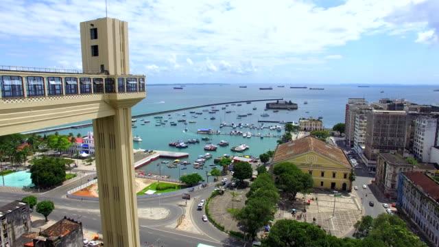 vídeos de stock, filmes e b-roll de vista aérea da baía de todos os santos em salvador, bahia, brasil - nordeste