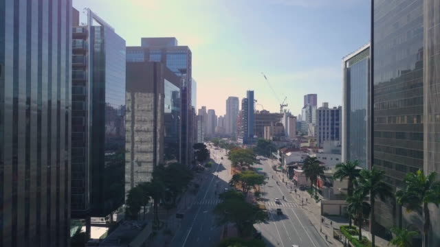 Aerial view of avenue and streets in Sao Paulo with drone Aerial view of Brigadeiro Faria Lima avenue during quarantine general view stock videos & royalty-free footage