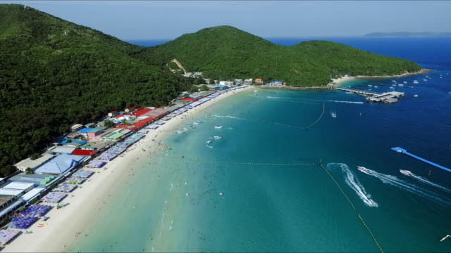 aerial view of beach in thailand - phuket video stock e b–roll