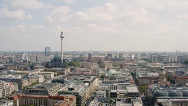 vídeos y material grabado en eventos de stock de vista aérea de berlín - berlín