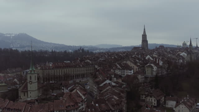 luftbild von bern altstadt - kanton bern stock-videos und b-roll-filmmaterial