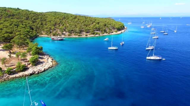 aerial view of boats in sea. - хорватия стоковые видео и кадры b-roll