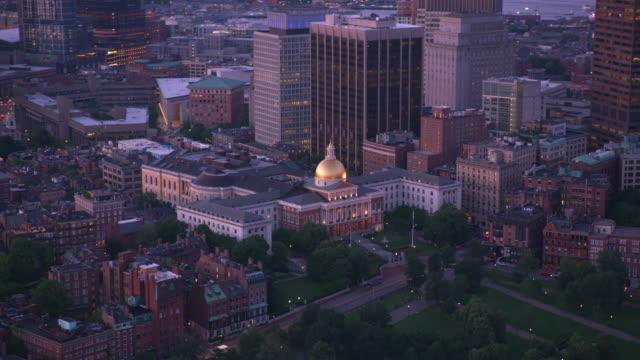 flygvy över boston vid solnedgången. - massachusetts bildbanksvideor och videomaterial från bakom kulisserna