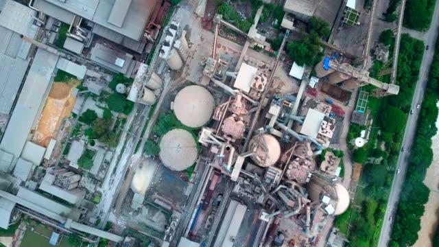 セメント工場の空撮 - セメント点の映像素材/bロール