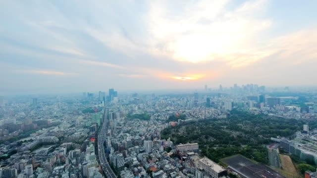夕暮れ時の東京の街並みの空中写真。 - 地域点の映像素材/bロール