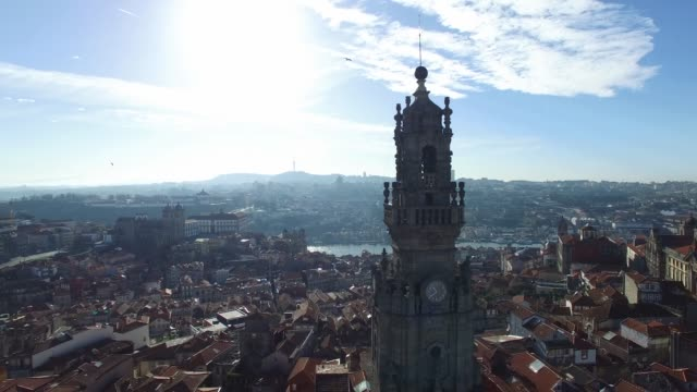 vídeos de stock e filmes b-roll de aerial view of clerigos tower, porto, portugal - douro