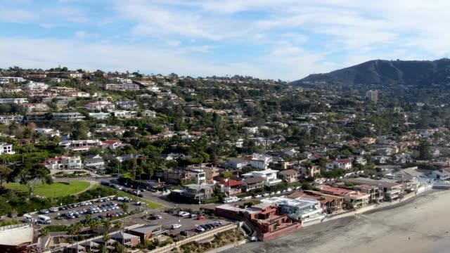 aerial view of coastline and town la jolla, san diego, california, usa - запад стоковые видео и кадры b-roll
