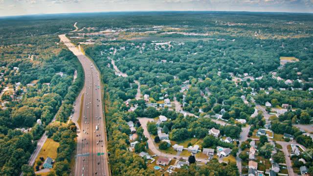 utsikt över landskapet. hiway. road. house. träd. skogen. - massachusetts bildbanksvideor och videomaterial från bakom kulisserna
