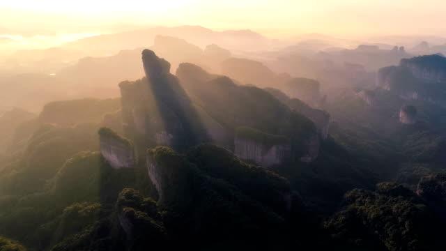 丹霞山鳥圖 - 懸崖 個影片檔及 b 捲影像