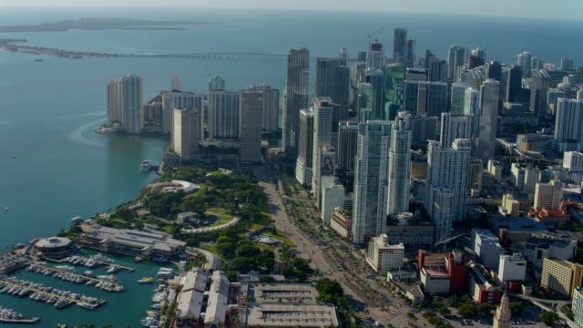 vídeos de stock e filmes b-roll de aerial view of downtown miami - sul