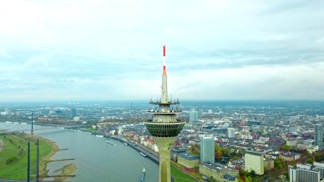 luftaufnahme von düsseldorf - deutschland - düsseldorf stock-videos und b-roll-filmmaterial