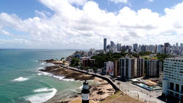 vídeos y material grabado en eventos de stock de vista aérea de farrol da barra en salvador, bahia, brasil - bahía