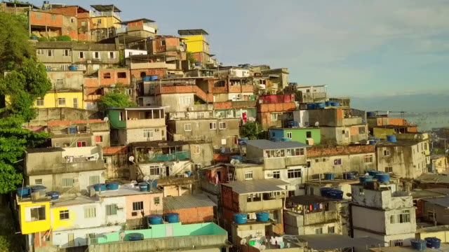 flygfoto över favelan i rio de janeiro, brasilien - brasilien bildbanksvideor och videomaterial från bakom kulisserna