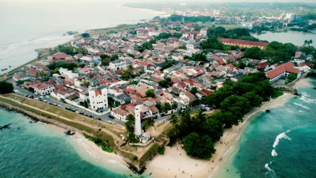 aerial view of galle fort - obiekt światowego dziedzictwa unesco filmów i materiałów b-roll