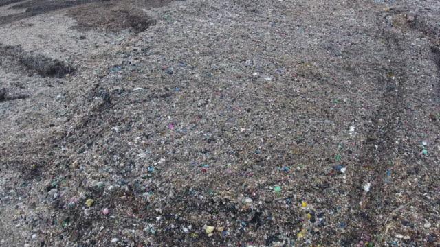 ゴミの丘の空中写真 ビデオ