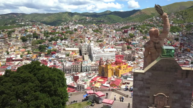 aerial view of guanajuato city in mexico - мексика стоковые видео и кадры b-roll