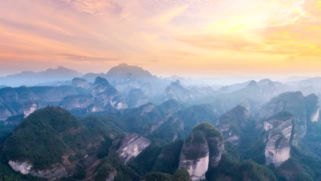 luftaufnahme von guangxi - zeitraffer - guilin stock-videos und b-roll-filmmaterial