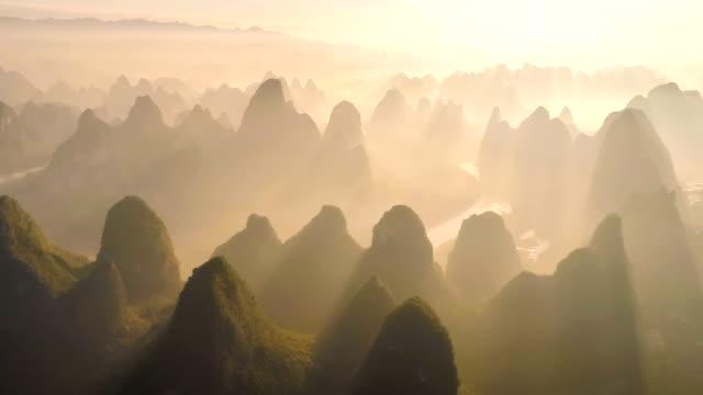 luftaufnahme von guangxi - guilin stock-videos und b-roll-filmmaterial