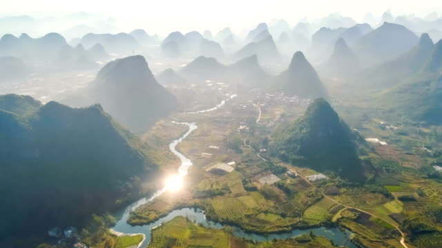 vídeos de stock, filmes e b-roll de vista aérea de guilin - nature
