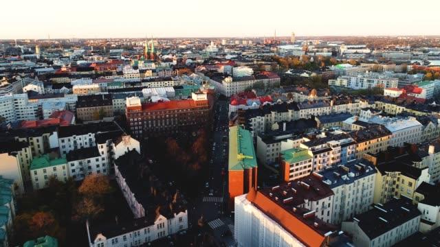 flygfoto av helsingfors stad. drone flyger över helsingfors och byggnader. - finland bildbanksvideor och videomaterial från bakom kulisserna