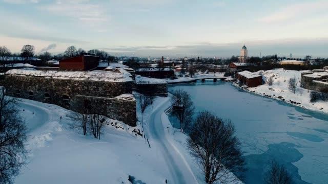 flygfoto över helsingfors på vintern, finland. - drone helsinki bildbanksvideor och videomaterial från bakom kulisserna