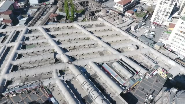 aerial view of historical covered bazaar in the kayseri city of turkey. kayseri/turkey 07/24/2017 - grand bazaar video stock e b–roll