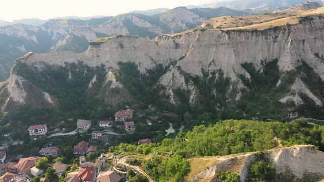 flygfoto över den historiska staden melnik, bulgarien - bulgarien bildbanksvideor och videomaterial från bakom kulisserna