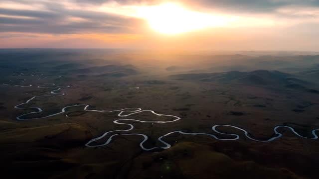 內蒙古鳥瞰圖 - 河 個影片檔及 b 捲影像