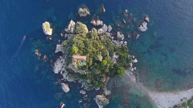 鳥瞰 isola 貝拉在陶爾米納, 西西里 - sicily 個影片檔及 b 捲影像