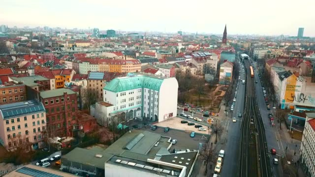 vídeos y material grabado en eventos de stock de vista aérea de kreuzberg - alemania - berlín