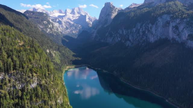 flygfoto över sjön gosau och dachstein, österrike - videor med salzburg bildbanksvideor och videomaterial från bakom kulisserna