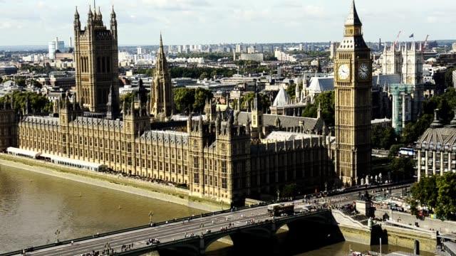 aerial view of london skyline - london bridge inghilterra video stock e b–roll