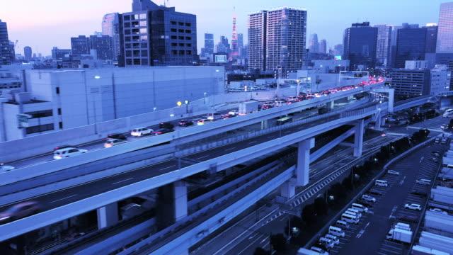 都市の混雑した道路空撮 - 渋滞点の映像素材/bロール