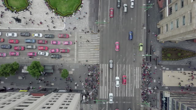 aerial view of mexico city centre. - город мехико стоковые видео и кадры b-roll