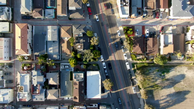 veduta aerea di mission bay & beaches a san diego, california, usa. - baia video stock e b–roll