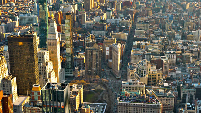 Luftaufnahme der New Yorker Straße. Flatiron Building – Video