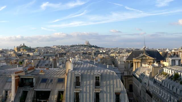 flyg utsikt över paris gator i 4k slow motion 60fps - montmatre utsikt bildbanksvideor och videomaterial från bakom kulisserna