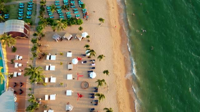 flygfoto över pattaya havsstrand i chonburi thailand - pattaya bildbanksvideor och videomaterial från bakom kulisserna