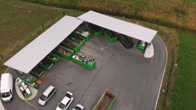 aerial view of recycling center - odzyskiwanie i przetwarzanie surowców wtórnych filmów i materiałów b-roll