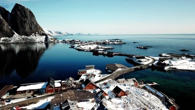 vídeos de stock e filmes b-roll de aerial view of reine in norway - reine