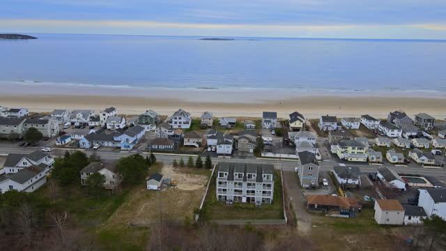 vídeos de stock, filmes e b-roll de vista aérea de áreas residenciais na área da baía americana nj us - baía