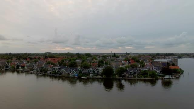 flygfoto över floden township i nederländerna - drone amsterdam bildbanksvideor och videomaterial från bakom kulisserna