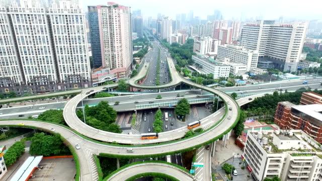 近代的な都市のミッドタウンの道路のジャンクションの航空写真 - 中国 広州市点の映像素材/bロール