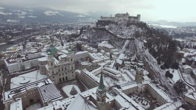 flygbild över salzburg under vintern - videor med salzburg bildbanksvideor och videomaterial från bakom kulisserna